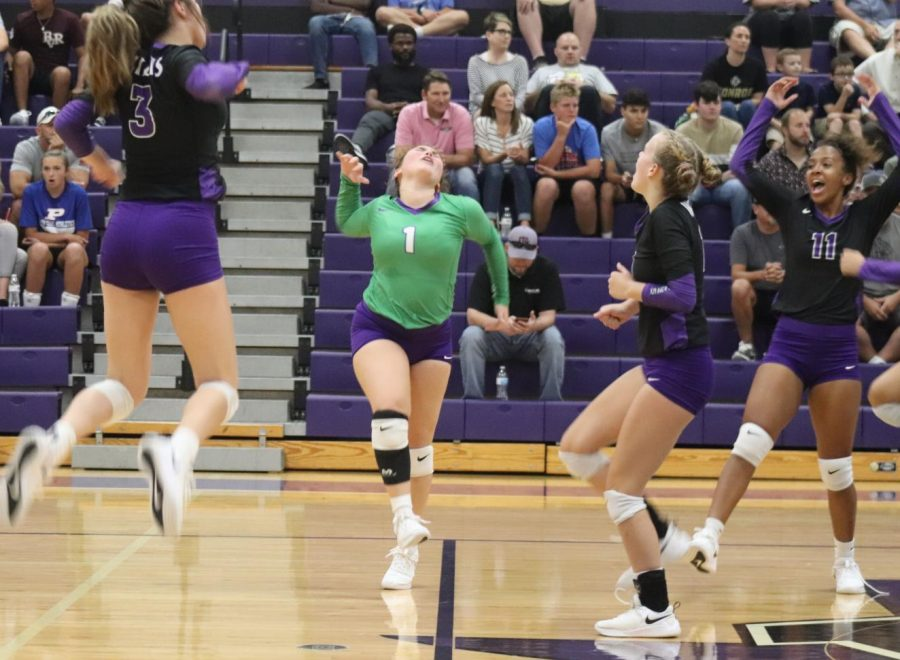 Ladykats sweep Conroe in front of loud, spirited crowd