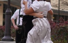 German students take their dirndl, lederhosen to state competition