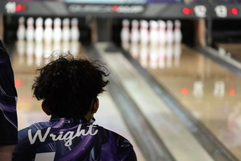 LOOKING FOR THE STRIKE. Senior Jordan Wright and the bowling team gets ready for regionals while competing at 300 Bowl.