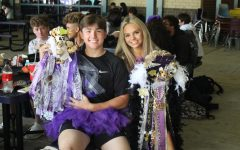 MUMS THE WORD. Students of all grades wore mums and garters on Friday.